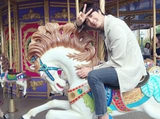 俳優チョン・イル、SNS更新。白馬に乗った王子様。 (1枚)