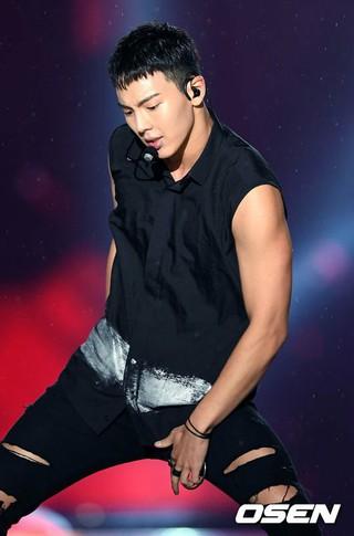 MONSTA X、「2016 K-POP World Festival」。昌原総合運動場、韓国の南部。釜山の近郊。