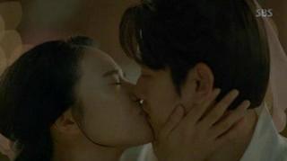 「EXO」BAEKHYUN、切ないキスシーンが話題。ドラマ「月の恋人ー歩歩驚心:麗」、昨夜放送分。