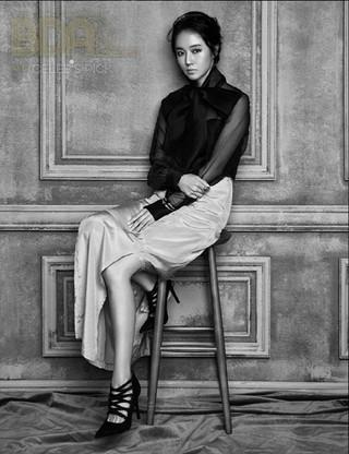 女優・歌手イ・ジョンヒョン、画報公開。雑誌「CELEB&#39&#59;S PICK」。 (3枚)