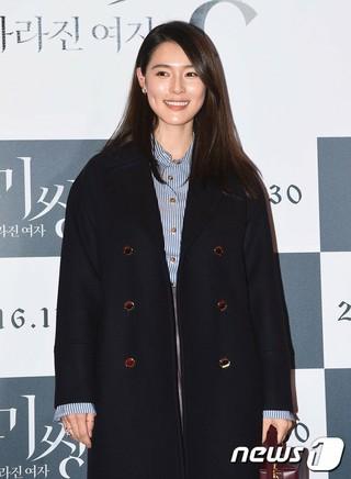 歌手カヒ、映画「Missing:消えた女」VIP試写会に出席。@ソウル・COEX MEGABOX