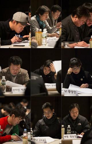 EXO D.O.、俳優シン・ハギュン、共演映画「7号室」。台本リーディングの現場公開、本日クランクイン。