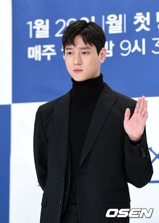 俳優コ・ギョンピョ、tvN月火ドラマ「クロス」制作発表会に出席。