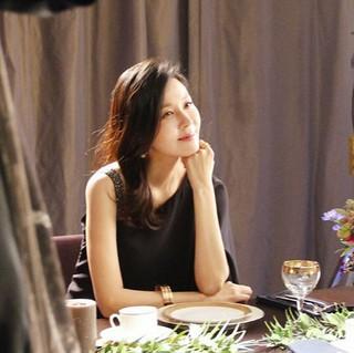 プレママの女優キム・ハヌル、SNS更新。女神のような美しさ。