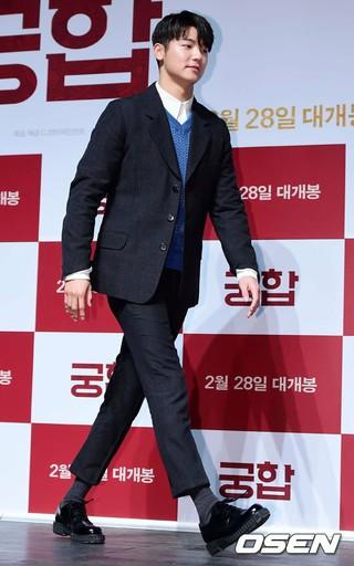 CNBLUE ミンヒョク、俳優イ・スンギと女優シム・ウンギョン との共演映画「相性」の制作発表会に出席。