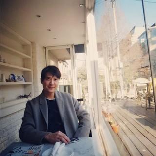 俳優チョ・ヒョンジェ、SNSを更新。まるで画報のような日常。