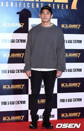 韓国警察側、歌手ペク・チヨンの夫で俳優チョン・ソグォン を麻薬投薬容疑で緊急逮捕。現在調査中。