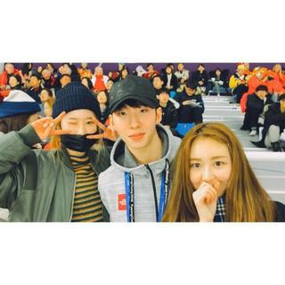 THE UNITに出演したMELODYDAY チャヒ、ショートトラック韓国代表のイム・ヒョジュン選手と記念撮影。