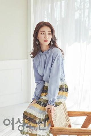 女優キム・ジョンファ、画報公開。雑誌「女性朝鮮」