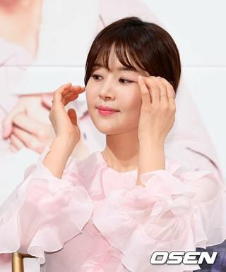 女優ハン・ジヘ、KBSドラマ「一緒に暮らしますか?」制作発表会に出席。