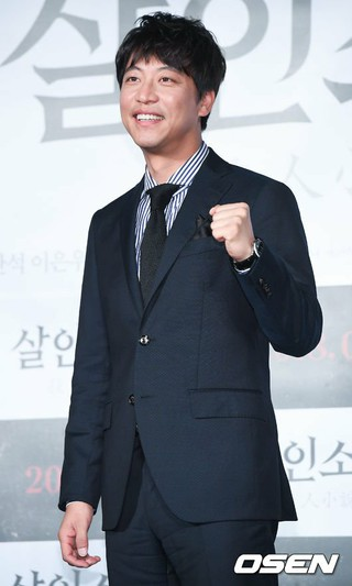 俳優オ・マンソク、映画「殺人小説」の制作報告会に出席。