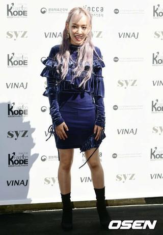 歌手ユンナ、「ファッションコード 2018F/W」に出席中。