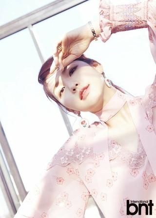 モデルのキム・ジンギョン、画報公開。「bnt」。追加分。