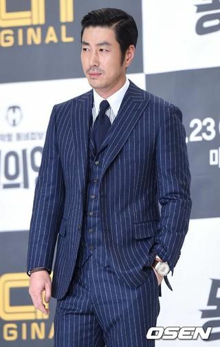 俳優ユン・テヨン、ドラマ「100日の朗君様」でEXO D.O(ト・ギョンス)の父親に。