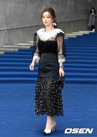 女優ホン・スア、22日午前ソウル・東大門DDPで「2018 F/W HERA SEOUL FASHION WEEK」に参加。