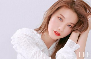 女優ユ・イニョン、画報公開。雑誌「ELLE」