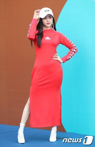 女優ハン・ボルム、ソウル・東大門DDPで「2018 F/W HERA SEOUL FASHION WEEK」に参加。23日午後。