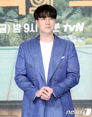 俳優ソ・ジソブ、tvN新バラエティ「森の小さな家」の制作発表会に出席。