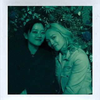 女優コ・アソン、フランスの女優ポム・クレメンティーフとの写真を公開。