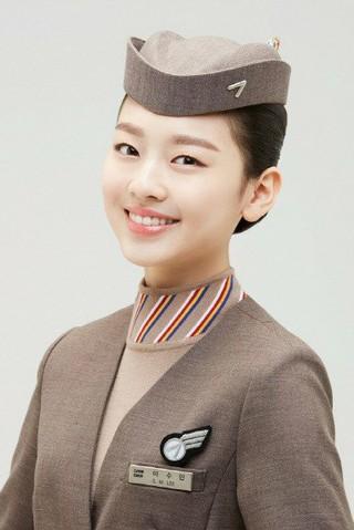 EBS幼児番組「生放送 トク! トク! ボニハニ」に出演していた女優イ・スミン、アシアナ航空のモデルに。歴代最年少でのモデル抜てき。