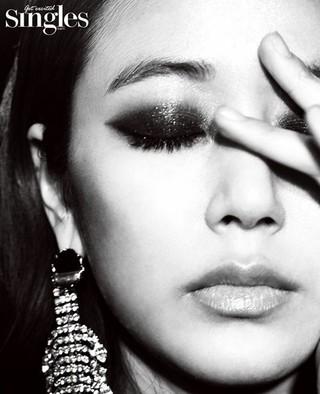 女優キム・ヒョジン、画報公開。Singles。