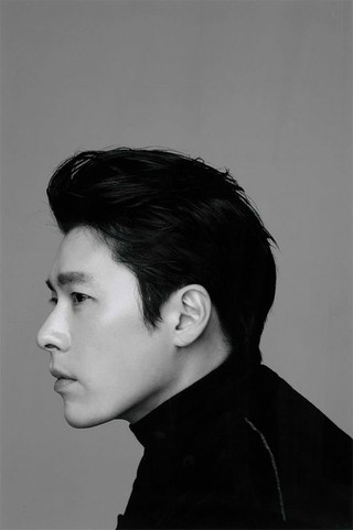 俳優ヒョンビン の所属事務所VAST、近況モノクロ画像を公開。