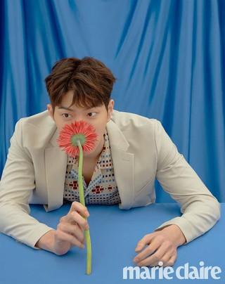俳優ホン・ジョンヒョン、画報公開。marie claire。