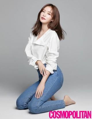 女優チョン・ユジン、画報公開。COSMOPOLITAN。