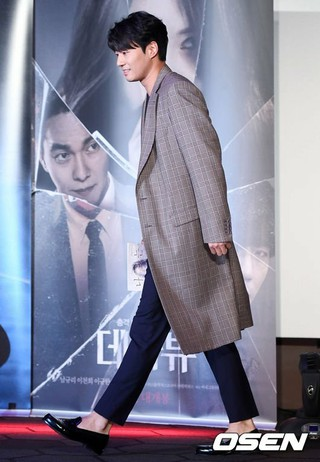 俳優イ・チョニ(イ・チョンヒ)、映画「デジャブ」の制作報告会に出席。