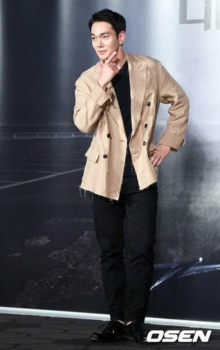 俳優イ・ギュハン、映画「デジャブ」の制作報告会に出席。