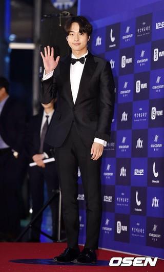 俳優ヤン・セジョン、授賞式に参加中。第54回ペクサン芸術大賞、ソウルCOEX。