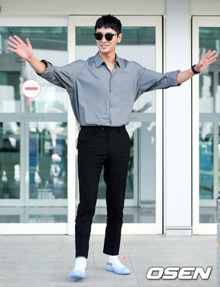 俳優チュ・ジフン、映画「工作」でカンヌ映画祭出席のため出国。10日午前、仁川国際空港。