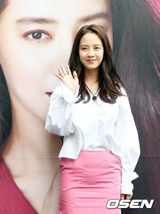 女優ソン・ジヒョ、コスメブランドのサイン会に出席。