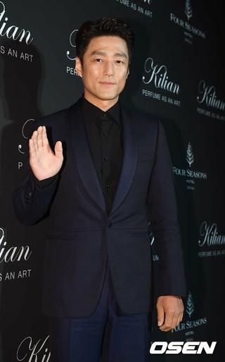 俳優チ・ジニ、香水ブランド「Kylian」ナイトパーティーに出席。ソウル・フォーシーズンズホテル。