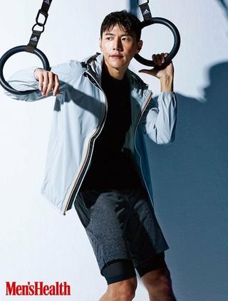 俳優ソン・ジェヒ、画報公開。Men'sHealth。