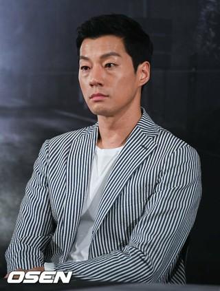 俳優イ・チョニ(イ・チョンヒ)、映画「デジャブ」メディア試写会に出席。25日午後。