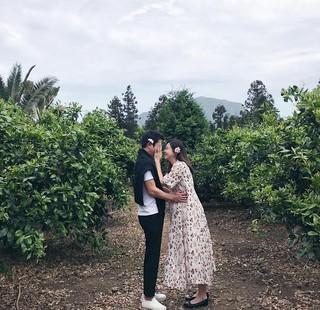 妊娠中の済州島(チェジュド)旅行の様子が公開。俳優チュ・サンウク、女優チャ・イェリョン、結婚1周年。●胎児の「胎名」は「デスン」。女の子の名前。