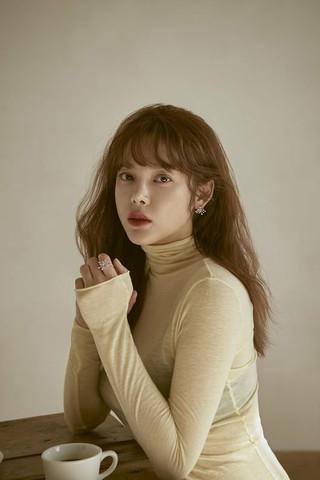 女優パク・シヨン、MYSTIC Entertainmentと再契約を締結。