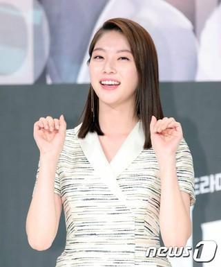 女優コン・スンヨン、KBS2TVの新月火ドラマ「君も人間か」制作発表会に出席。31日午後、ソウル・アモリスホール。