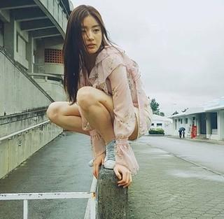 女優カン・ソラ、沖縄での近況公開。