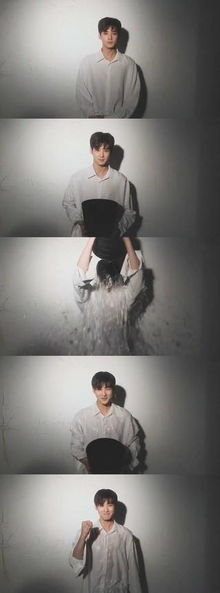 ASTRO チャ・ウヌ、アイス・バケツ・チャレンジに参加。次に俳優ユン・シユン、イ・テファン、VIXXのエンを指名。