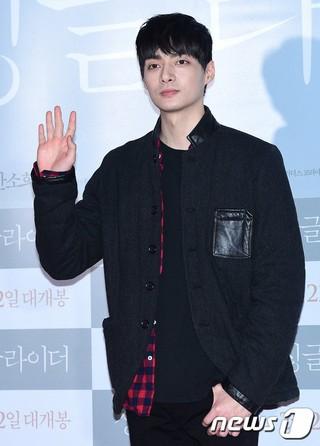 T-MAX のメンバーでドラマ「花より男子」F4として活躍した俳優キム・ジュン、2015年に結婚していた。現在、父親。