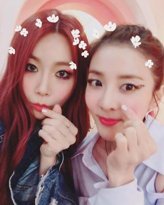 【g公式ygi】Brown Eyed Girls ジェア、DARAとの写真を公開。