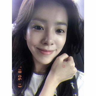 女優ハン・ジミン、韓国統一地方選挙の投票完了を報告。
