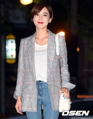 女優イ・ソヨン、寄付でアイス・バケツ・チャレンジに参加。次の指名者はオ・ユナ、ハン・チェヨン、チョン・ジュナ。