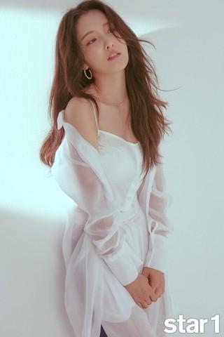 元4Minute ジヒョン、画報公開。「@ star1」。
