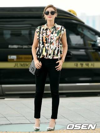女優キム・ソンリョン、画報撮影のためモルディブへ出国。