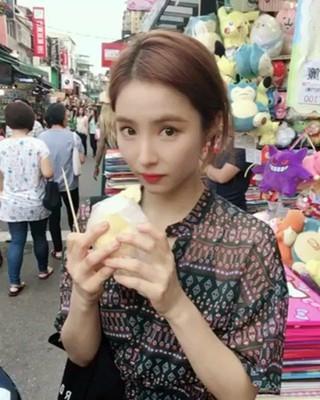 【g公式】女優シン・セギョン、初のドリアン試食。●おいしい��。 ●台湾を旅行中。