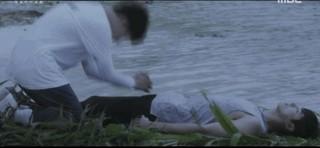 【動画】東方神起 ユンホ、「葬式」で「復活」するシーンが話題。●「ドゥニア」で恐竜の襲撃により犠牲に。●重要な所を触られてしまうと、じっとはできない。。●笑いがこらえられないJBJ出