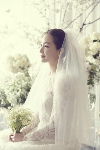 チェ・ジウ、結婚相手の詳細を公式発表。「9歳年下の会社代表」チェ・ジウは43歳、つまり男性はことし34歳。